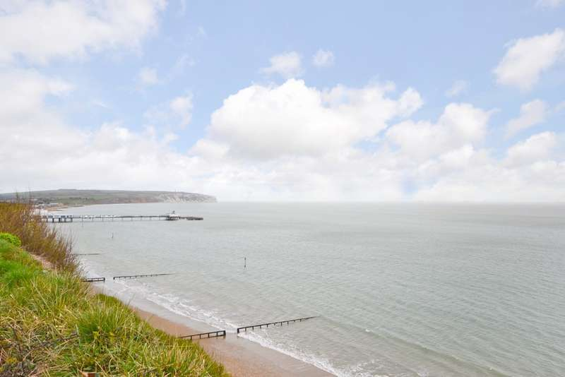 2 Bedrooms Flat for sale in Lake, Isle of Wight