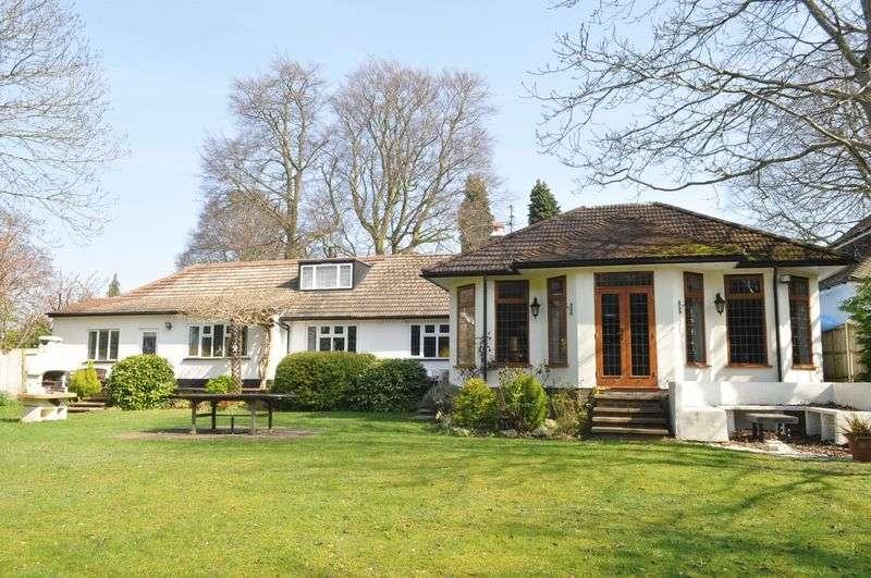 4 Bedrooms Detached Bungalow for sale in Ermyn Way, Leatherhead