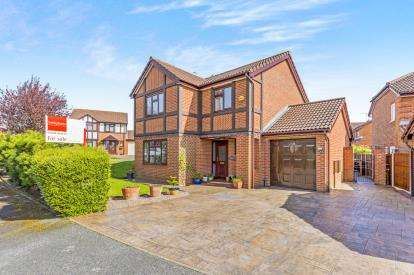 4 Bedrooms Detached House for sale in Thornycroft, Winsford, Cheshire, England