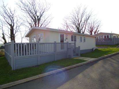 2 Bedrooms Bungalow for sale in Bryn Mechell, Llanfechell, Anglesey, LL68