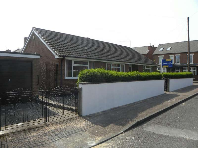 3 Bedrooms Bungalow for sale in Silverwood Road, Beeston