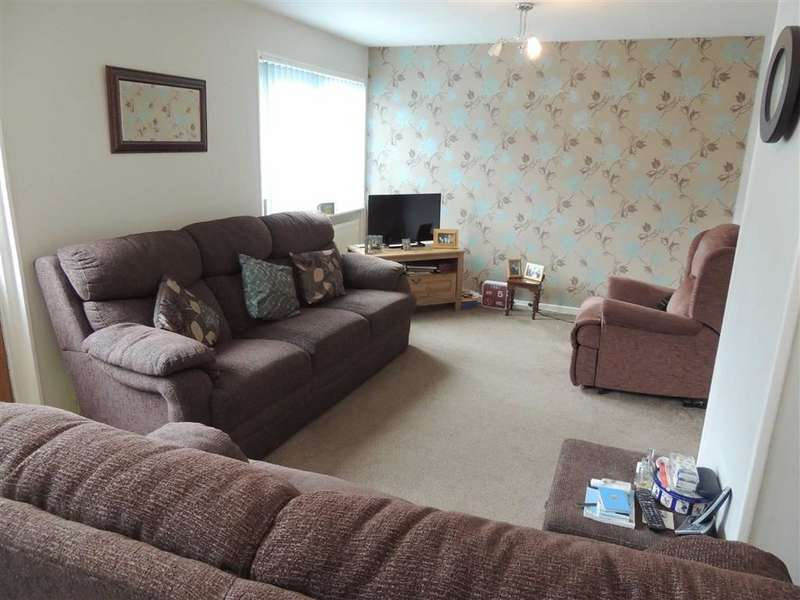 3 Bedrooms Property for sale in Wessenden Bank, Offerton, Stockport