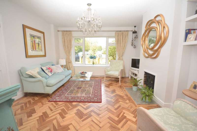 3 Bedrooms Semi Detached House for sale in Grays Walk, Chesham HP5
