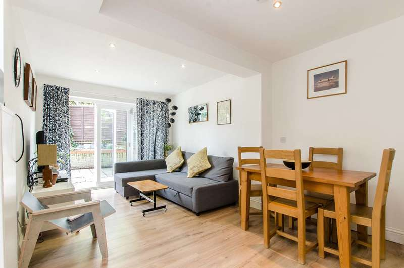 2 Bedrooms Flat for sale in Medora Road, Brixton Hill, SW2