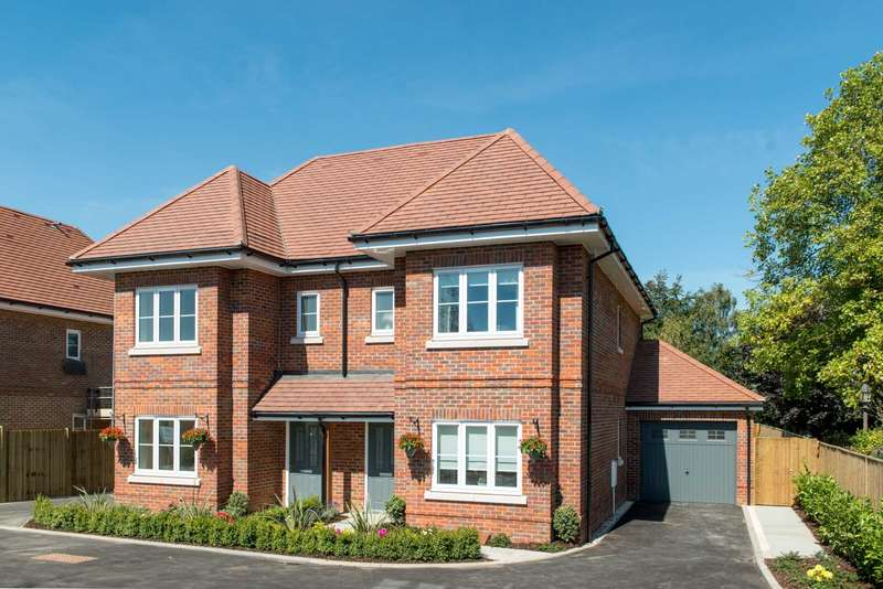 4 Bedrooms Semi Detached House for sale in Aston Clinton Rd, Weston Turville