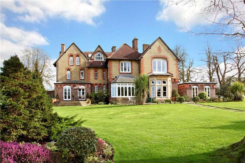 6 Bedrooms Detached House for sale in Cuddington, Buckinghamshire, HP18