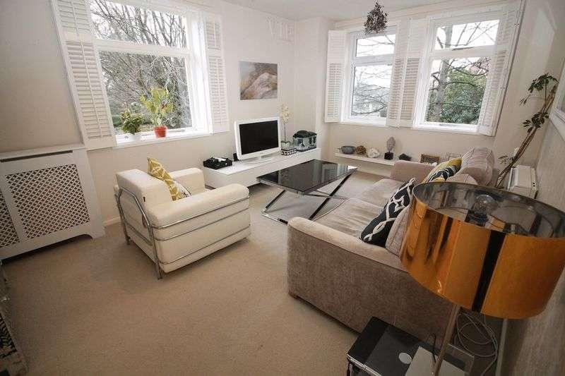 2 Bedrooms Flat for sale in Howbeck Court, Bidston Road, Prenton