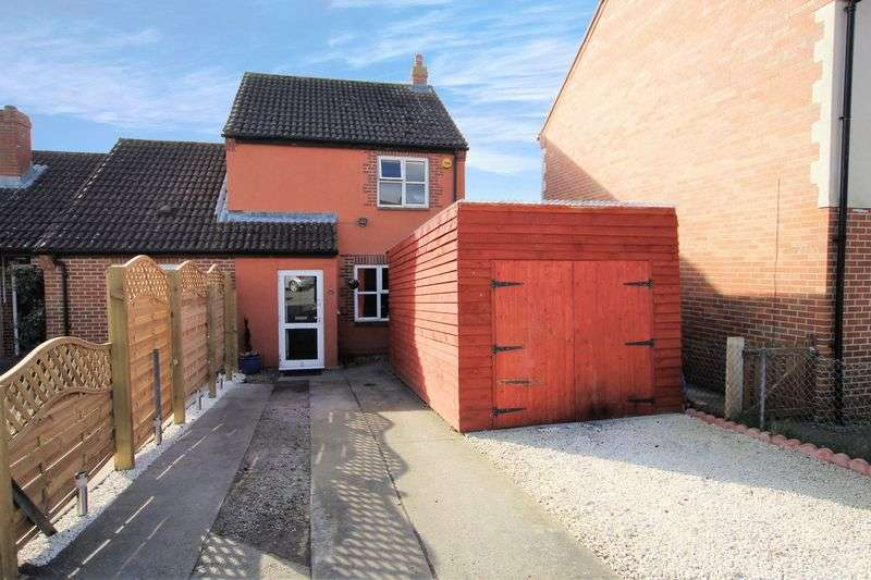 2 Bedrooms Semi Detached House for sale in Naldertown, Wantage