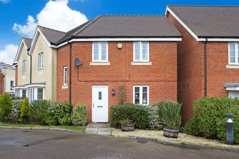 3 Bedrooms Semi Detached House for sale in Milton Place, High Wycombe