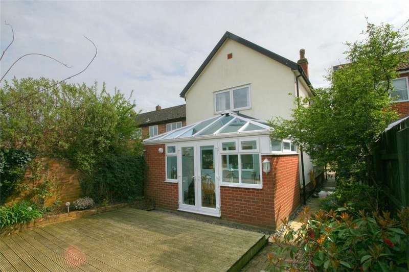 3 Bedrooms Detached House for sale in 5 Bailiwick Court NR16 2NH (REAR PHOTO), EAST HARLING, NORWICH, Norfolk