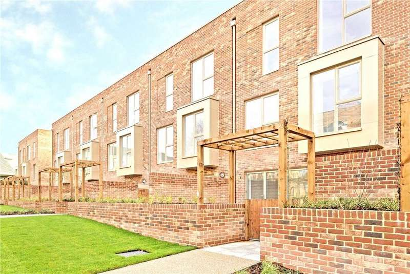 5 Bedrooms Terraced House for sale in 2 Harrison Drive, Cambridge, CB2