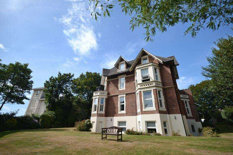 3 Bedrooms Apartment Flat for sale in Staunton House, Exeter Park Road, Bournemouth
