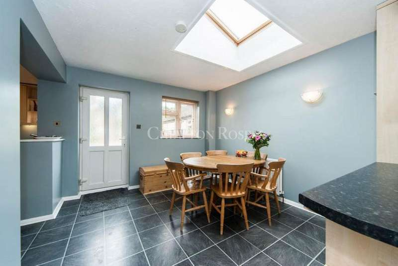 4 Bedrooms Bungalow for sale in Kiln Lane, Woodside