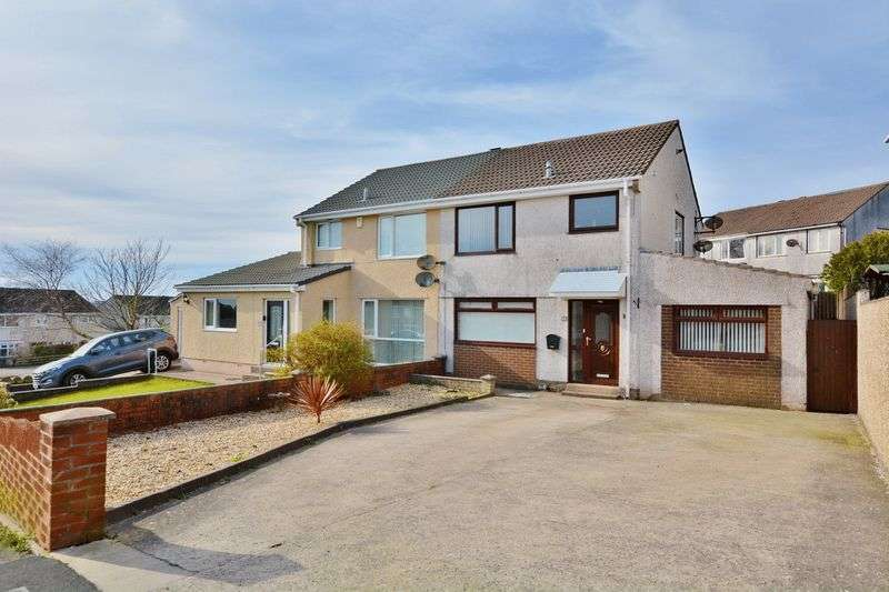 3 Bedrooms Semi Detached House for sale in Springfield Avenue, Whitehaven