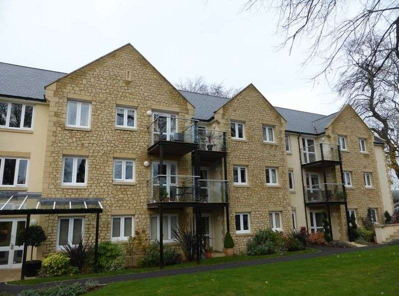 1 Bedroom Flat for sale in Holmcroft Court: ** PRIVATE BALCONY **