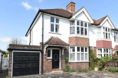 3 Bedrooms Semi Detached House for sale in Murray Avenue, Bromley