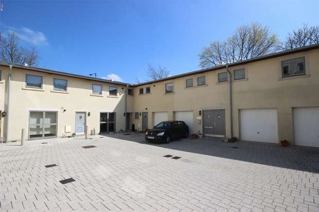 2 Bedrooms Flat for sale in St Martins Court, Midford Road, BATH