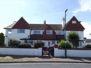 2 Bedrooms Flat for sale in Beau Rivage, 10 Admiralty Gardens, Bognor Regis