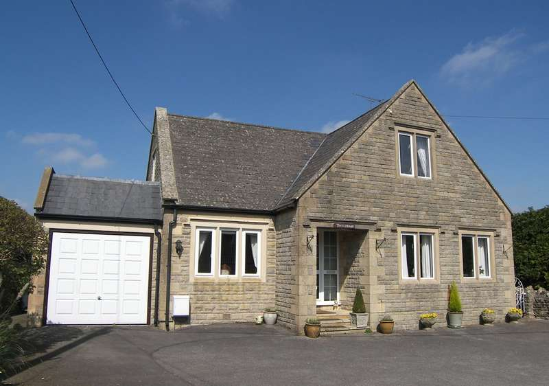 4 Bedrooms Detached House for sale in High Street, Colerne
