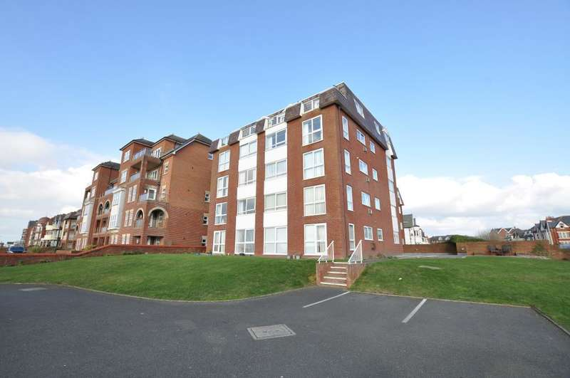 2 Bedrooms Apartment Flat for sale in South Promenade, St Anne's, Lytham St Anne's, Lancashire, FY8 1NW