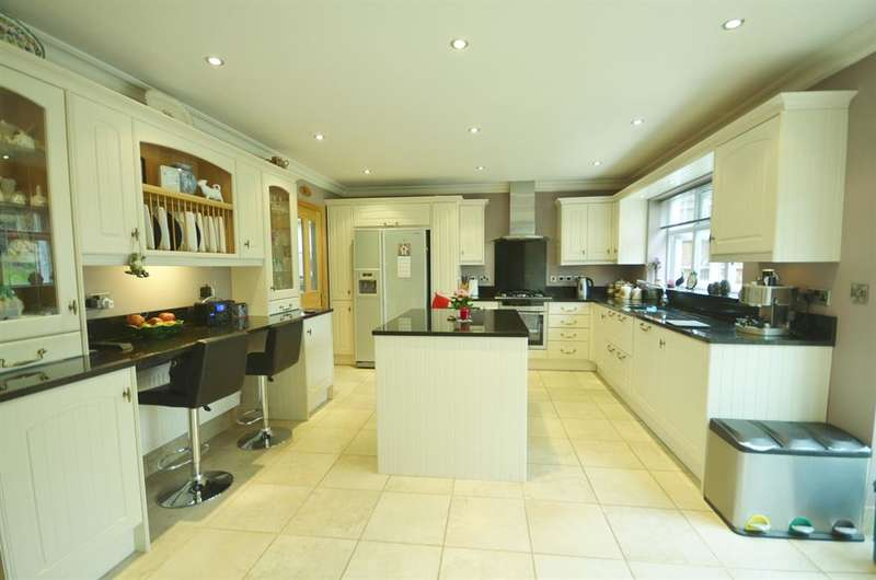 5 Bedrooms Semi Detached House for sale in The Avenue, Barn Hill Area, Wembley,Middlesex, HA9 9PH