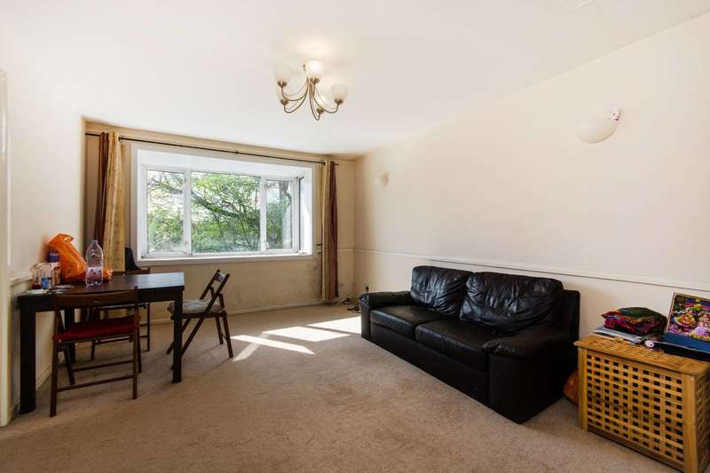 1 Bedroom Flat for sale in Green Acres, Croydon, CR0