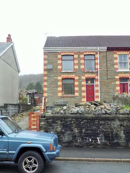 2 Bedrooms Semi Detached House for sale in Heol Tawe, Swansea, Powys, SA9