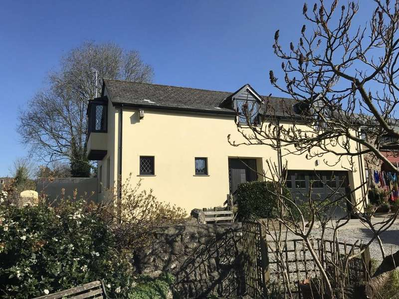 3 Bedrooms Semi Detached House for sale in Moretonhampstead, Devon