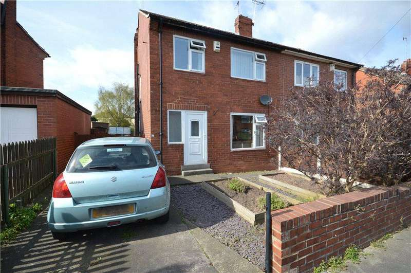 3 Bedrooms Semi Detached House for sale in Kirkdale Avenue, Leeds