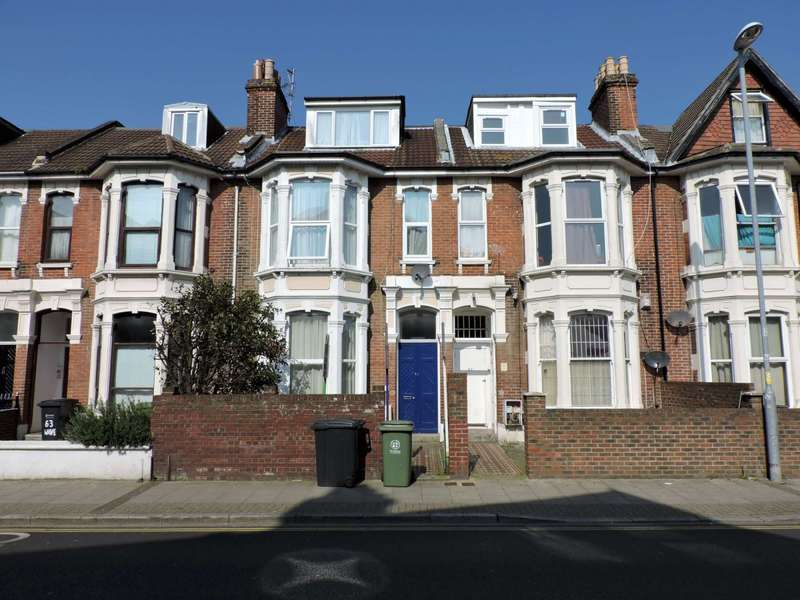 9 Bedrooms House for rent in Waverley Road, Southsea