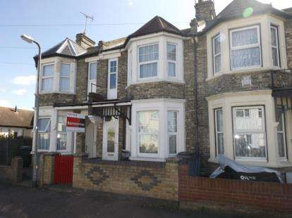 4 Bedrooms Terraced House for sale in Clacton-On-Sea, Essex