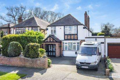 4 Bedrooms Detached House for sale in Emerson Park, Hornchurch, Essex