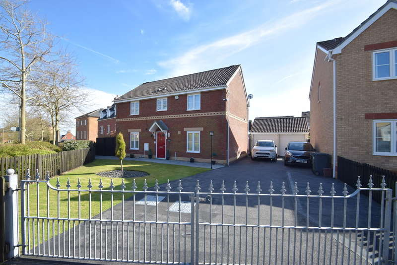 4 Bedrooms Detached House for sale in 1 Hill Court, Broadlands, Bridgend, Bridgend County Borough, CF31 5BX.