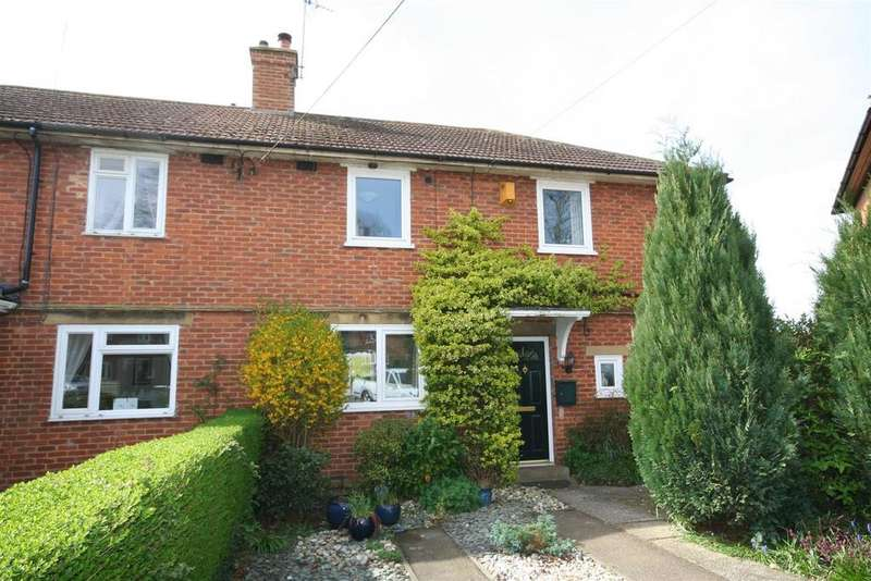 3 Bedrooms Semi Detached House for sale in Hollands Road, Henfield