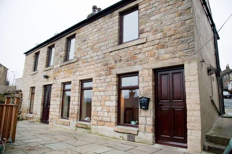 3 Bedrooms Detached House for sale in Stocksbank Road, Mirfield, West Yorkshire, WF14