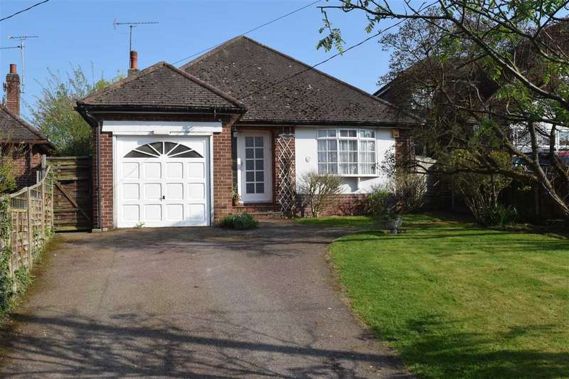 2 Bedrooms Bungalow for sale in Butts Way, Galleywood, Chelmsford