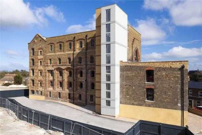 2 Bedrooms Apartment Flat for sale in The Bread Factory, Margate Road, Ramsgate