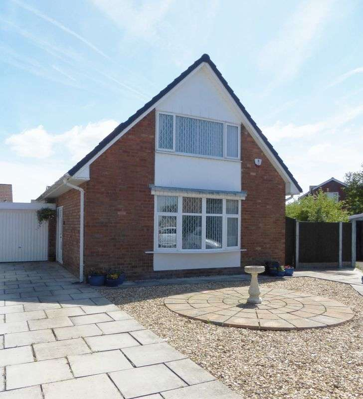 3 Bedrooms Detached Bungalow for sale in Broadcroft, Longton, Preston