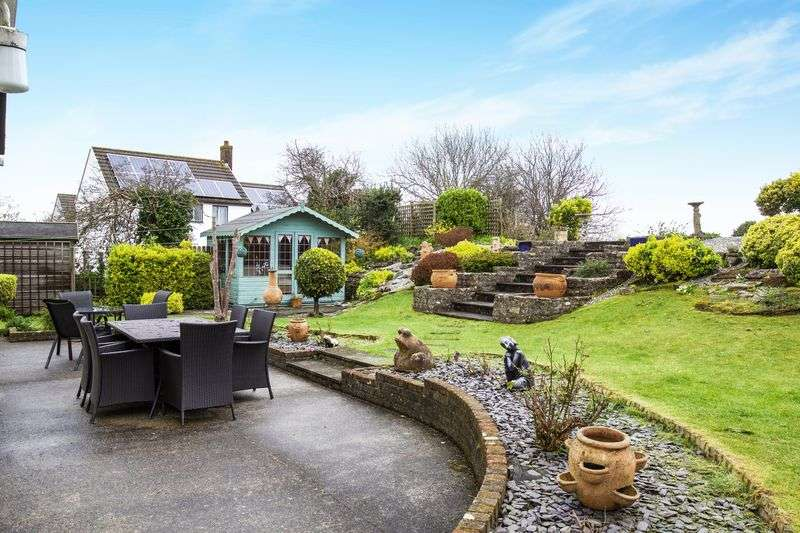 3 Bedrooms Detached Bungalow for sale in Alma Close, St. Agnes