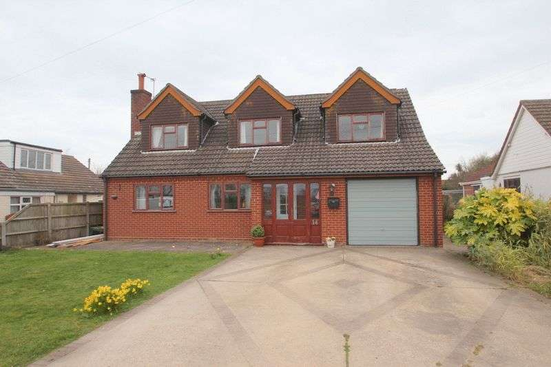 5 Bedrooms Property for sale in Penguin Road, Scratby, Norwich