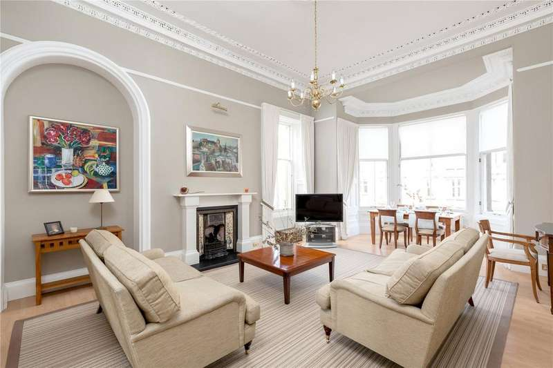 3 Bedrooms Flat for sale in 11/4 Strathearn Road, Marchmont, Edinburgh, EH9