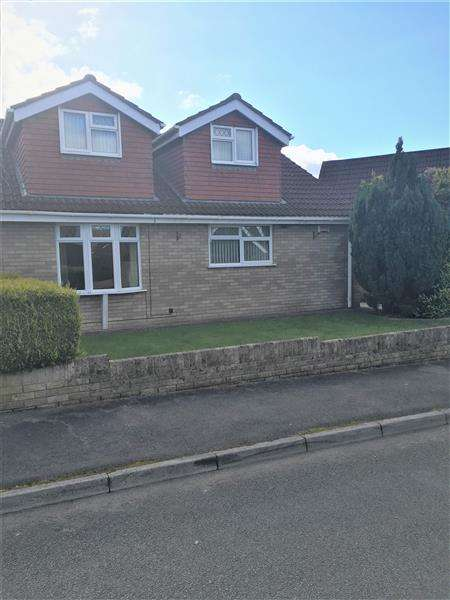 5 Bedrooms Semi Detached House for sale in Ty Llwyd Park, Treharris