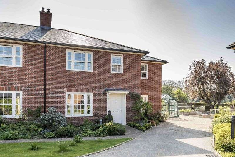 3 Bedrooms Semi Detached House for sale in Chantry Hall, Westbourne