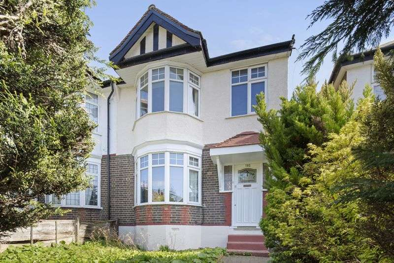 4 Bedrooms Terraced House for sale in Valley Road, London