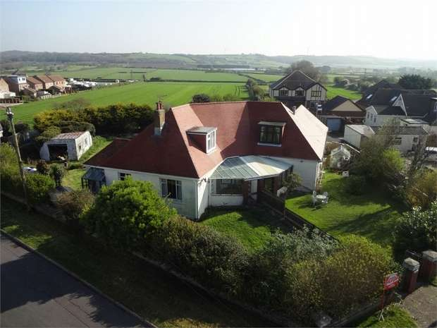 3 Bedrooms Semi Detached Bungalow for sale in Nottage Mead, Nottage, Porthcawl, Porthcawl, Mid Glamorgan