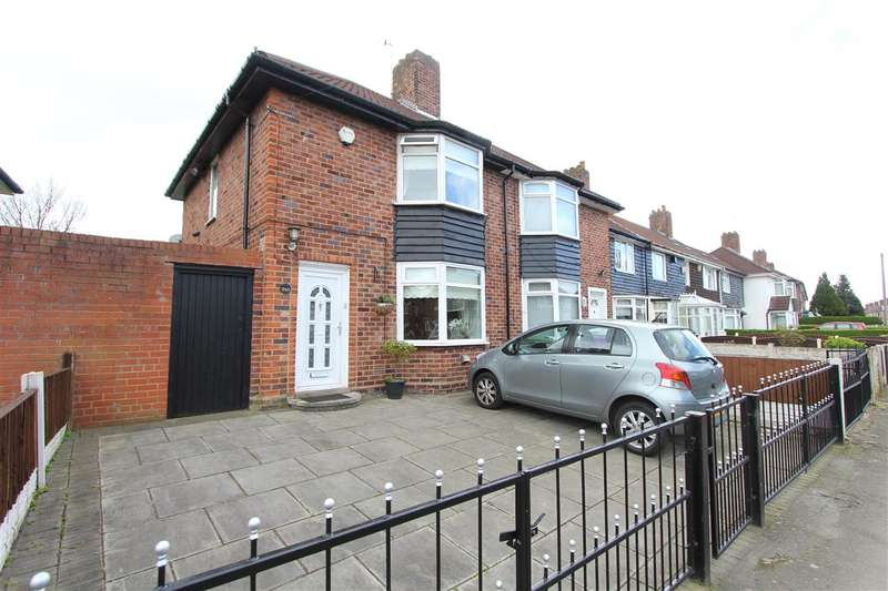 3 Bedrooms Town House for sale in Kingsheath Avenue, Dovecot, Liverpool