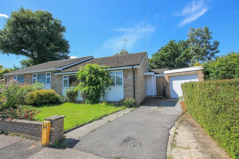 2 Bedrooms Detached Bungalow for sale in Haywardens, Lingfield