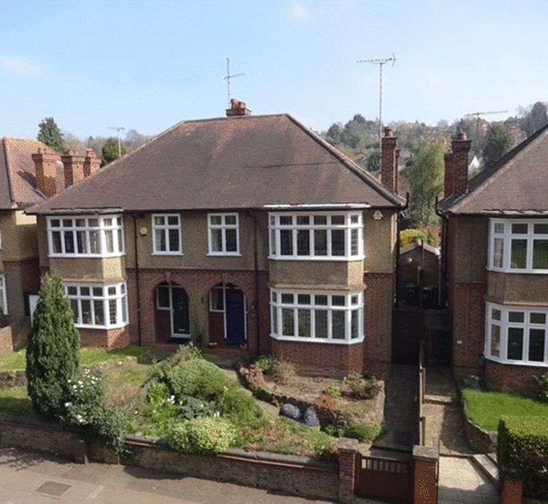 6 Bedrooms Semi Detached House for sale in Old Bedford Road, Luton