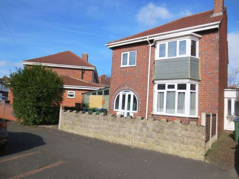 3 Bedrooms Semi Detached House for sale in Frank Road, Smethwick