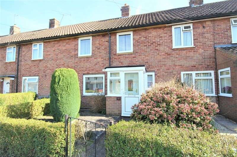 2 Bedrooms Terraced House for sale in Queensway, Whitchurch
